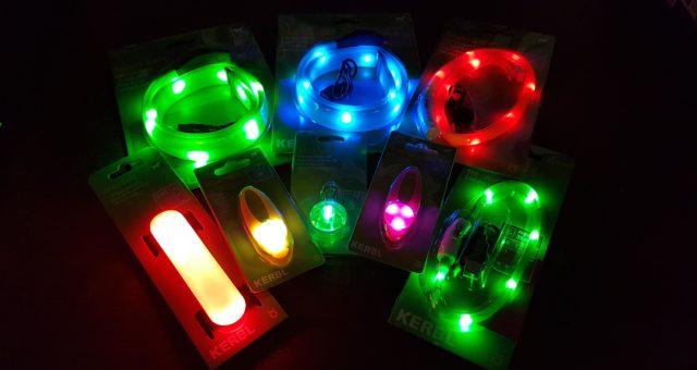 LED-es, tölthető és elemes nyakörvek, nyakdíszek.